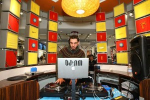 DJ AM Adam Goldstein with his Mac laptop