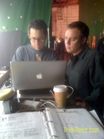 Director JJ Abrams and his MacBook Pro laptop & executive producer Bryan Burk on Star Trek set, chatting with fans