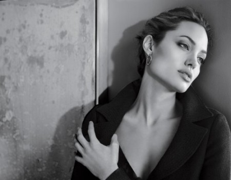 Angelina Jolie BW
