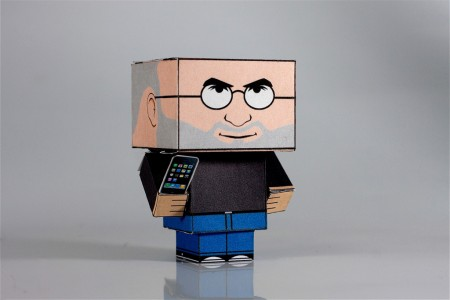DIY, Cubic apple ceo Steve Jobs with iPhone Papercraft