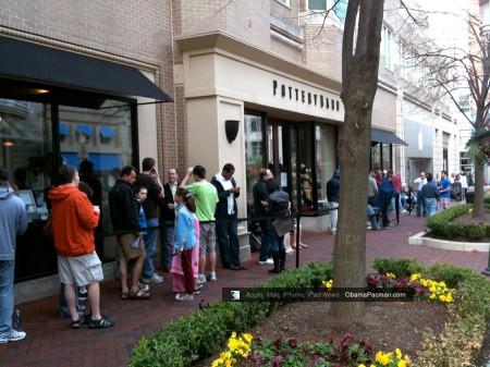 Reston Apple Store, iPad launch day line, queue photos 0429
