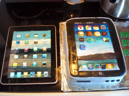 Apple iPad birthday cake