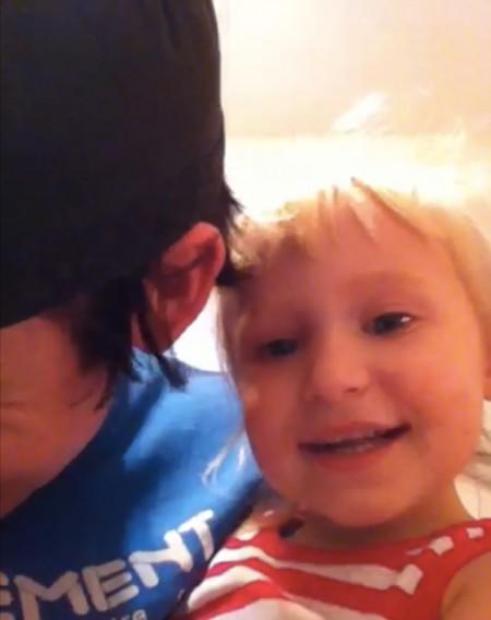 Cutest I Can Haz iPhone 4 Jailbreak Video