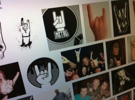 devil horn hand sign
