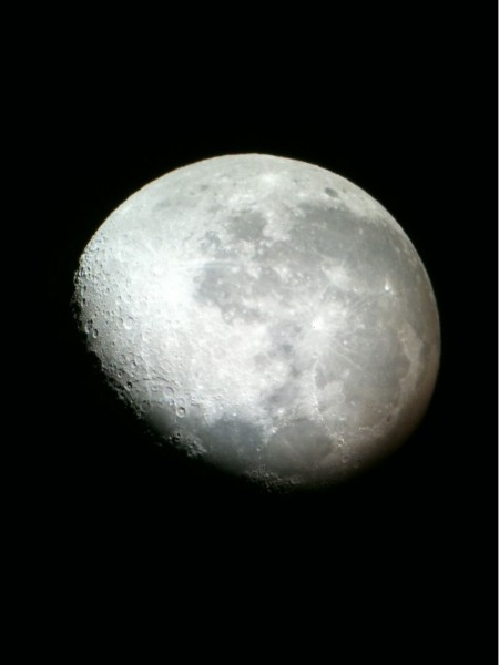 iPhone 3GS moon