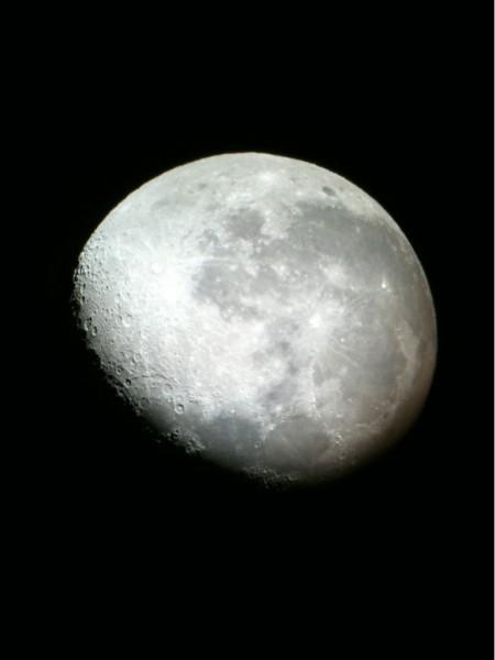 iPhone 3GS moon