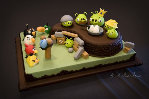 Amazing Angry Bird Cake, Anya Richardson