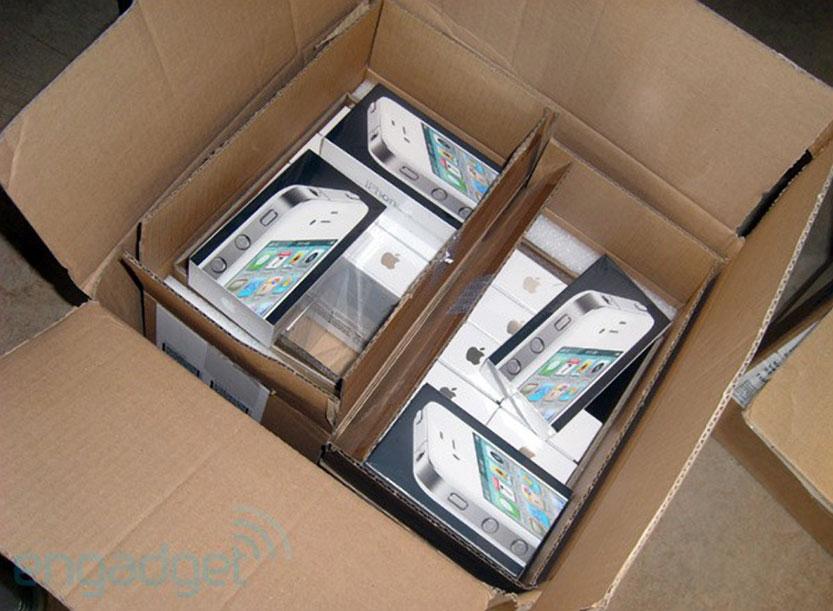 White IPhone 4 Shipping Box