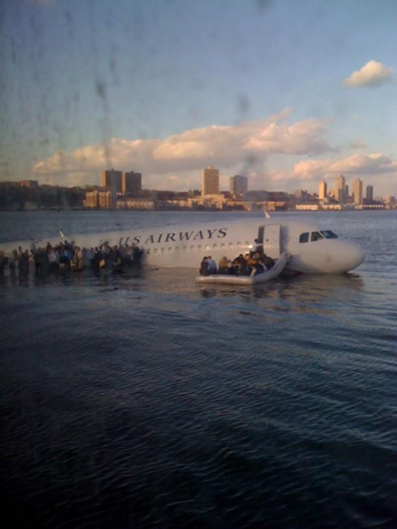 Flight 1549 Hudson River emergency landing, iPhone Photo