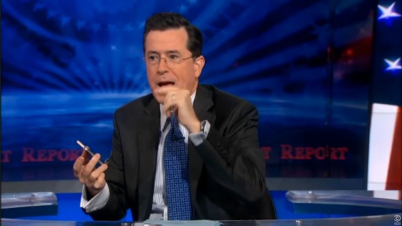 Stephen Colbert uses iPhone 4S Siri