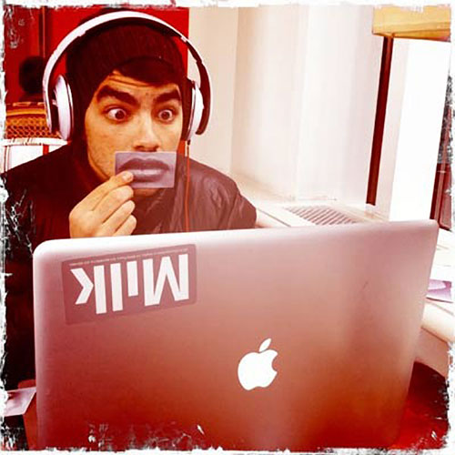 Joe Jonas Mac laptop