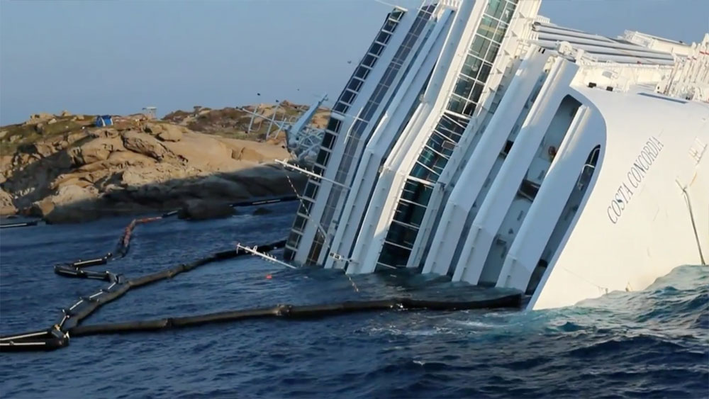 Sunken Cruise Ship Costa Concordia Filmed By Casey Neistat Obama - Sunken cruise ships