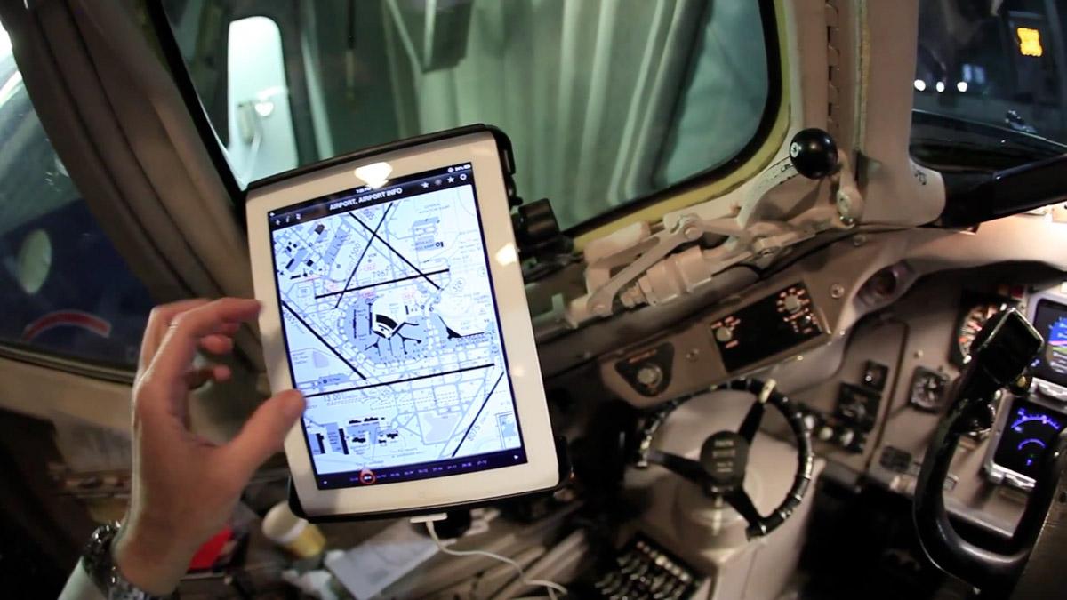 Ipad Efb American Airlines Cockpit Obama Pacman