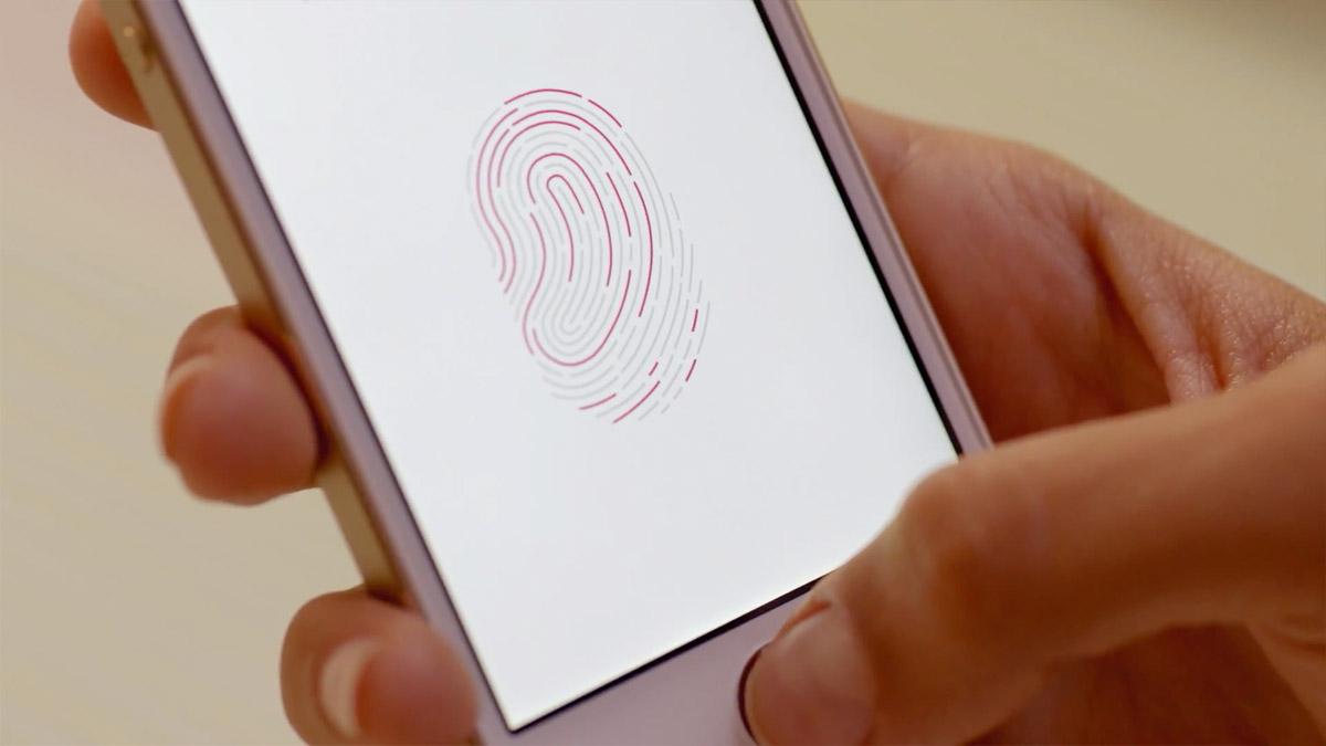 iPhone 5s reading fingerprint   Obama Pacman